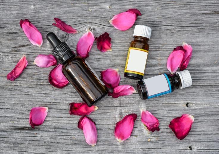 essential-oils-2536471_1280